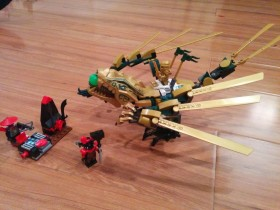 Lego Ninjago ninja golden dragon in action (video)